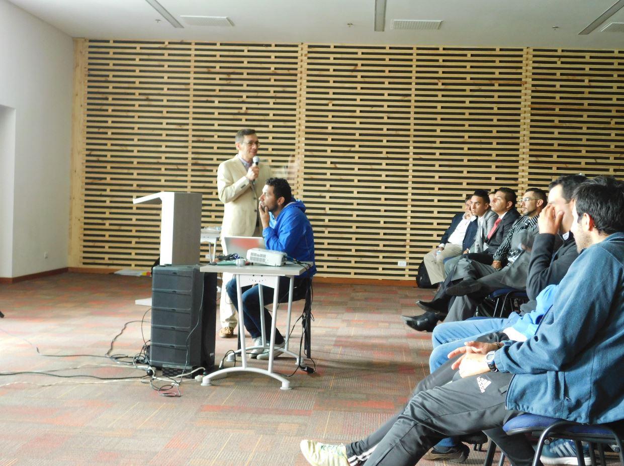 Conferencista en el simposio taller Cajicá Taller